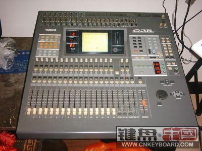 [二手转让] 百威kb300键盘音箱,百威8路小台子,yamaha o2r数字调音台!