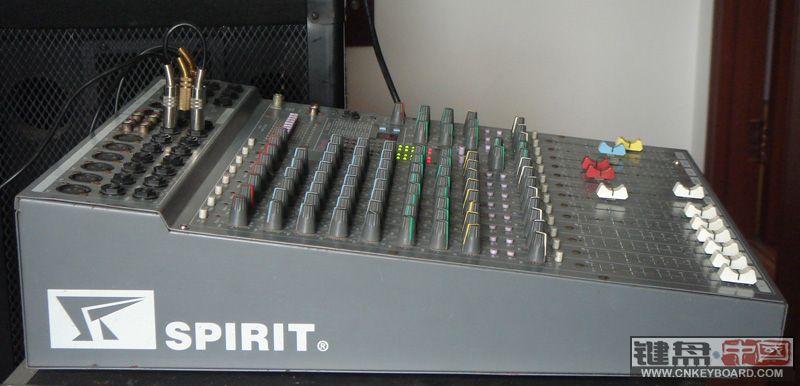 spirit调音台,10路带效果器