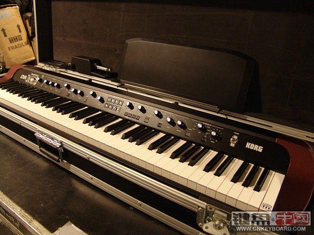 出两台korg高端琴m3 61和sv1复古电钢琴!图片